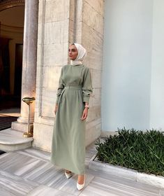 Modest Fashion Hijab, Modern Hijab Fashion, Street Hijab Fashion, Hijab Fashion Inspiration, Abaya Fashion, Muslim Fashion, Fashion Dresses, Fashion Fashion, Hijab Mode