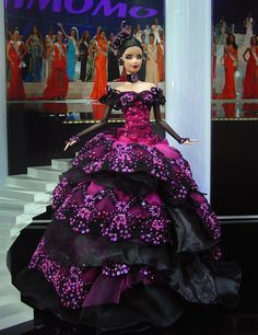 I love this dress. Ninimomo Miss Argentina 2011 ooak barbie