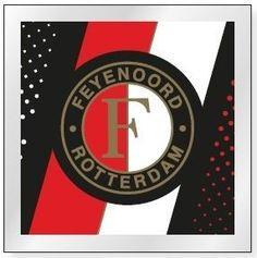Plak deze magneet van Feyenoord Rotterdam op je koelkast of whiteboard en laat zien dat je een echte fan bent. De magneet heeft een afbeelding van het logo van de voetbalclub.   Afmeting: volgt later.. - Magneet feyenoord: zwart streep