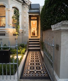 With over 50 years experience, Olde English Tiles™ supplies and installs beautiful heritage tessellated tiles, mosaics and subway tiles in Sydney & Melbourne Victorian House Interiors, Victorian Terrace House, Victorian Homes, Victorian Front Garden, Edwardian House, Terrace House Exterior, Facade House, House Facades, Exterior Design