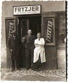 On the Gesia, Szeroka, Mila Street - And I Still See Their Faces Map Symbols, Poland History, Poland Travel, Krakow Poland, World Cities, My Heritage, Warsaw, Planet Earth, Roman