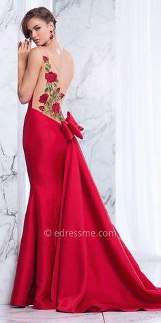 One-shoulder-rose bestickt bogen zurück prom kleid von tarik ediz prom. Homecoming Dresses, Bridesmaid Dresses, Dress Prom, Bow Back Dresses, Evening Dresses, Formal Dresses, Perfect Prom Dress, Prom Girl, Casual Look