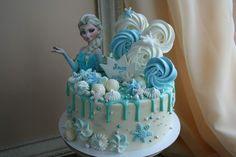 Elsa Birthday Cake, Frozen Themed Birthday Cake, Frozen Theme Cake, Cute Birthday Cakes, Beautiful Birthday Cakes, Themed Cakes, Olaf Frozen Cake, Frozen Cupcakes, Pastel Frozen