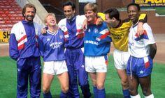 """Graeme Souness shares a joke with signings Mo Johnston, Mark Hateley, Richard Gough, Bonni Ginzburg and Mark Walters. Rangers Football, Rangers Fc, Graeme Souness, Glasgow, Science Nature, Flute, Liverpool, Bears, Memories"
