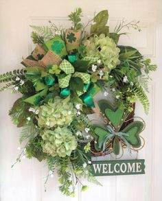 Spring Door Decorations Preschool St Patrick 55 Ideas For 2019 St Patricks Day Crafts For Kids, St Patrick's Day Crafts, Colors English, Holiday Wreaths, Holiday Decor, St Patrick's Day Decorations, Year Round Wreath, Welcome Wreath, Wreaths For Front Door