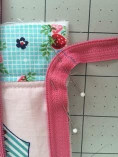 zipper pouch tutorial. 3