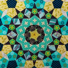 Cassie's La Passacaglia – second update Quilting Projects, Quilting Designs, Origami Quilt, Millefiori Quilts, Kaleidoscope Quilt, Paper Pieced Quilt Patterns, English Paper Piecing, Scrappy Quilts, Long Haul