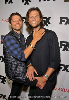 "Misha and Jared. I wonder if this pose is in their contracts. ""must attempt to climb another cast member at a public event, failure to do so will result in your being at least 12 items on the GISHWHES list, and you must comply for all who ask or you'll be forced to re-film your worst project [DeVour, New York Minute, or Stonehenge Apocalypse]"""