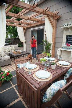 Outdoor Living Room Makeover for Small Spaces with Lowes 2019 Hinged table great for extra guests and looks much more chic than most drop leaf tables. The post Outdoor Living Room Makeover for Small Spaces with Lowes 2019 appeared first on Deck ideas. Backyard Patio Designs, Backyard Pergola, Pergola Ideas, Landscaping Ideas, Small Backyard Design, Landscaping Software, Pergula Deck, Porch Ideas, Patio Overhang Ideas