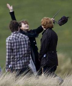 Helena Bonham Carter,Rupert Grind and Daniel Radcliffe on 'Harry Potter' set