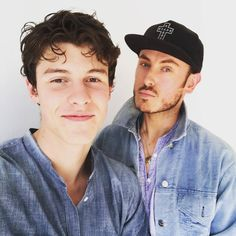 """8 Likes, 1 Comments - Shawn Mendes (@shawns.haands) on Instagram: """"The curls everybody look at those curls jsbwbbs .  @shawnmendes #shawnmendes #greekmendesarmy…"""""""
