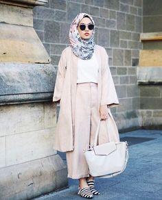 Pada halaman ini anda akan temukan berbagai model baju lebaran terbaru tahun 2017 yang dapat anda jadikan inspirasi dan referensi berbusana muslim modis.