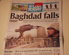 9 April 2003 The government of Saddam Hussein has lost control over Baghdad with the advance of US forces into the centre of the capital. World History Facts, History Of Time, Front Page News, World Conflicts, Newspaper Headlines, Shocking News, Headline News, Personal History, History Projects