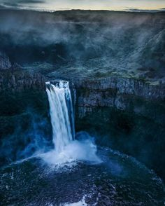 #PalouseFalls #Palouse #PalouseRiver #Waterfall Water resources, State park, Park, Milky Way - Follow #extremegentleman for more pics like this!