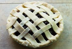 Old Fashion Saskatoon Pie: A simple, yet elegant Saskatoon pie, that will put a smile on your face. Tart, Sweet Tooth, Berries, Yummy Food, Treats, Baking, Desserts, Recipes, Beauty