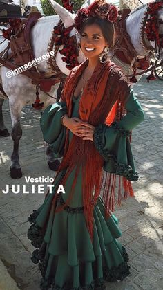 spanish style homes dome Vestido Charro, Spanish Gypsy, Spanish Style Decor, Spanish Dress, Boho Fashion, Fashion Outfits, Fashion Photo, Flamenco Dancers, Flamenco Dresses
