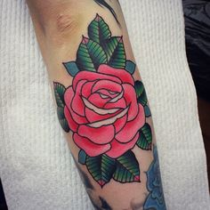 A rose like this would be so pretty though. Idk if I want this or the two roses on my thigh.