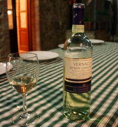 Una bottiglia di vino Vernaccia - By Pablo from Vigo, Espa�a - vernacciaUploaded…