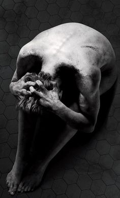 New 'Penny Dreadful' Poster Shows A Spooky Optical Illusion . Dark Photography, Black And White Photography, Human Body Photography, Creepy Photography, Lifestyle Photography, Illusion Kunst, Arte Obscura, Penny Dreadful, Arte Horror