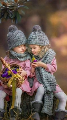 """"""" 🌸❄️Thank you,Bettina❤️😘Be Happy❄️🌸✨🍃❤️❄️🌸A big hug🌸❄️🍃✨❤️🌸❄️🍃✨🌸"""" Cute Baby Couple, Cute Baby Girl, Cute Couples, Cute Babies, Twin Toddler Photography, Cute Kids Photography, Cute Kids Pics, Cute Pictures, Beautiful Pictures"""