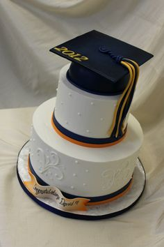 graduation cake ideas for college | Pin Sandras Cakes Graduation Cake on Pinterest