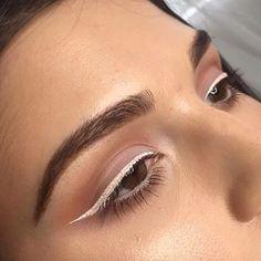 pink eyeliner looks ; pink eyeliner makeup look ; Pretty Makeup, Love Makeup, Makeup Inspo, Makeup Inspiration, Makeup Style, Gorgeous Makeup, Makeup Goals, Makeup Tips, Makeup Ideas