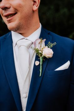 Lilac rose and avalanche rose groom's wedding buttonhole / boutonniere. Accompanied by an Arsenal football club pin! Image by Sally Rawlins Photography. Wedding Themes, Wedding Styles, Wedding Buttonholes, Button Holes Wedding, Lilac Roses, Arsenal Football, Gothic Wedding, Different Flowers, Groom Style