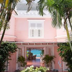 AN INSIDER'S GUIDE TO BEAUTIFUL BARBADOS