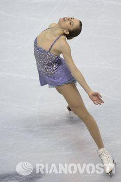Carolina Kostner, short program at Worlds 2013 Roller Skating, Ice Skating, Carolina Kostner, Figure Skating Costumes, Ice Dance, Ice Princess, Sports Figures, Skater Dress, Amazing Women
