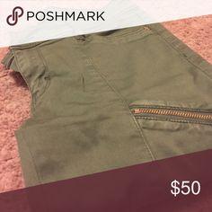 White House Black Market Olive Green Pants Skinny Crop Pants.92% Cotton, 5% Polyester, 3% Spandex White House Black Market Pants
