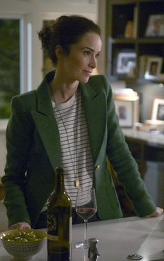 "wornontimeless: ""Who: Abigail Spencer as Lucy Preston What: Smythe Patch Pocket Duchess Blazer in Kelly Green - $695 Where: Timeless 1x10 ""The Capture of Benedict Arnold"" """