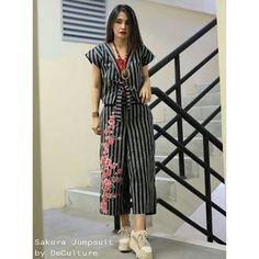 Blouse Batik, Batik Dress, Batik Kebaya, Batik Fashion, Brokat, Ethnic Dress, Blouse And Skirt, Fashion Show, Short Sleeve Dresses