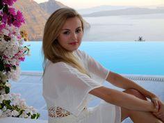 Niomi Smart - Dressing Like A Greek Goddess http://www.niomismart.com/2014/08/dressing-like-greek-goddess.html