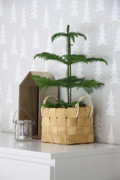huonekuusi kuistilla Modern Christmas, Winter, Planter Pots, Dots, Stripes, Balcony, Outdoors, Home Decor, Winter Time
