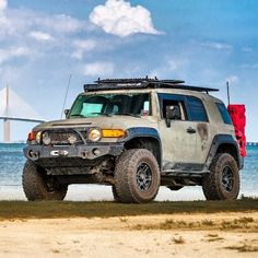FJ loves the beach Fj Cruiser Off Road, Fj Cruiser Mods, Toyota Cruiser, Land Cruiser, Toyota 4x4, Toyota Trucks, Toyota Hilux, Fj Cruiser Accessories, Tacoma Truck