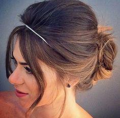 Ameii.. cabelo preso com tiara!