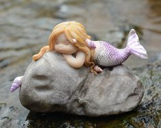 Top Collection Miniature Fairy Garden and Terrarium Little Mermaid on Rock Statue Mermaid On Rock, Mermaid Fairy, Mermaid Dolls, Baby Mermaid, The Little Mermaid, Baby Fairy, Mermaid Style, Mini Fairy Garden, Kid Garden