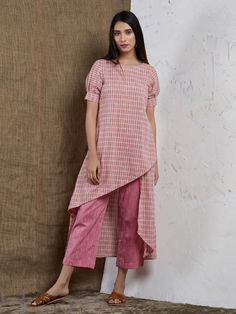 Pink Checkered Asymmetric Cotton Kurta with Pants- Set of 2 Short Kurti Designs, New Kurti Designs, Simple Kurta Designs, Kurtha Designs, Kurta Designs Women, Kurti Designs Party Wear, Blouse Designs, Salwar Designs, Kurti Sleeves Design