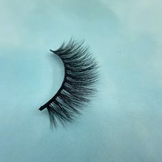 This eyelash is made of mink hair. It is very soft. This 3D eyelash is very popular and suitable for many occasions. It can give people a comfortable feeling and is very natural. 3d Mink Lashes, Black Beauty, Beauty Ideas, 3 D, Popular, Natural, Makeup, People, Model