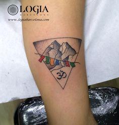 Un Walk-in es un tatuaje en el que el cliente literalmente entra en la tienda, el mismo día, sin cita previa. A Walk-in is a tattoo where the client literally walks into the shop, same-day, with no appointment. #logiabarcelona #logiatattoo #tatuaje #tattoo #tatuador #tattooink #tattoospain #tattooworld #tattoobarcelona #ink #arttattoo #artisttattoo #inked #instattoo #inktattoo #himalaya