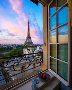 "5,457 To se mi líbí, 53 komentářů – Hello_france (@hello_france) na Instagramu: ""Follow @hello_rooftops thank you Photo prise par : @davispaul Localisation : Paris , France…"""