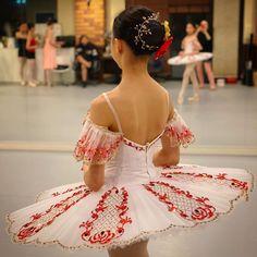 Tutu Ideas, Ballet Tutu, Ballerinas, Dance Costumes, Backless, Kids, Inspiration, Dresses, Fashion
