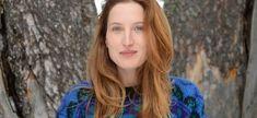 Julia Piaton évoque son statut de fille de Charlotte de ... Julia Piaton, Facon, Frozen, Fresh, Long Hair Styles, Beauty, Faces, Daughter, Long Hairstyle