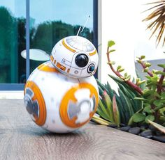 Sphero BB-8 Droid - Colorado-based Sphero built a smartphone controlled BB-8 droid. Like the one you've seen rolling around in the upcoming Episode VII trailer. #bb-8 #spherobb8 #bb8 #starwars #friki