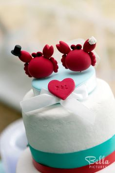 Super cute wedding cake toppers