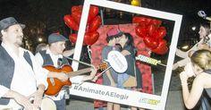 http://ift.tt/2kGNjbN http://ift.tt/2l2jTsb  SUBWAY la franquicia de sándwiches más grande del mundo sorprendió el 14 de febrero a aquellos fans que se encuentran enamorados en este día de San Valentín con una activación en el pleno corazón del barrio de Palermo en Buenos Aires  Siguiendo con la consigna de su campaña Anímate a elegir SUBWAY festejó el día de los enamorados junto a aquellos fans que se animaron a elegir a esa persona especial en su vida. Distintas parejas fueron sorprendidas…