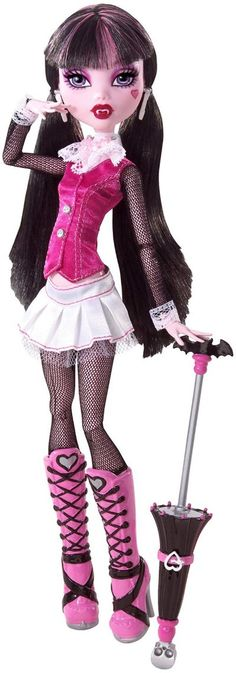 Draculaura has black hair with pink highlights that is tied into long pigtails. She is wearing an adorable black, white, and pink outfit that includes a vest, skirt, and boots. The pink vest has gr… New Monster High Dolls, Monster High Art, Ever After High, Draculaura, Black Fishnet Tights, Pink Highlights, Pink Doll, Little Doll, Alternative Outfits