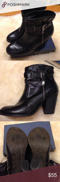 g By Guess Leather Booties These cute leather booties are perfect for fall and winter with a plaid in lining for comfort. they are in excellent condition. G by Guess Shoes Ankle Boots & Booties