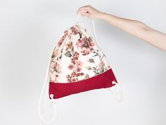 Stylischer Turnbeutel: Jutebeutel mit Blumenmuster in Rot / stylish gym bag: tote bag with floral pattern made by ctrn via DaWanda.com