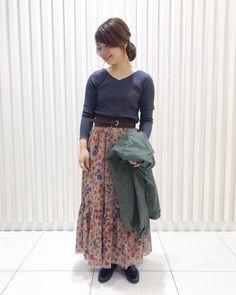【フランスメイド】 フランス老舗生地メーカーのデヴォー社のこだわりの生地で作ったスカート。フワリとしていて歩く度に上品さが漂う1枚。シンプルなトップスだけでキチンと仕上がります。